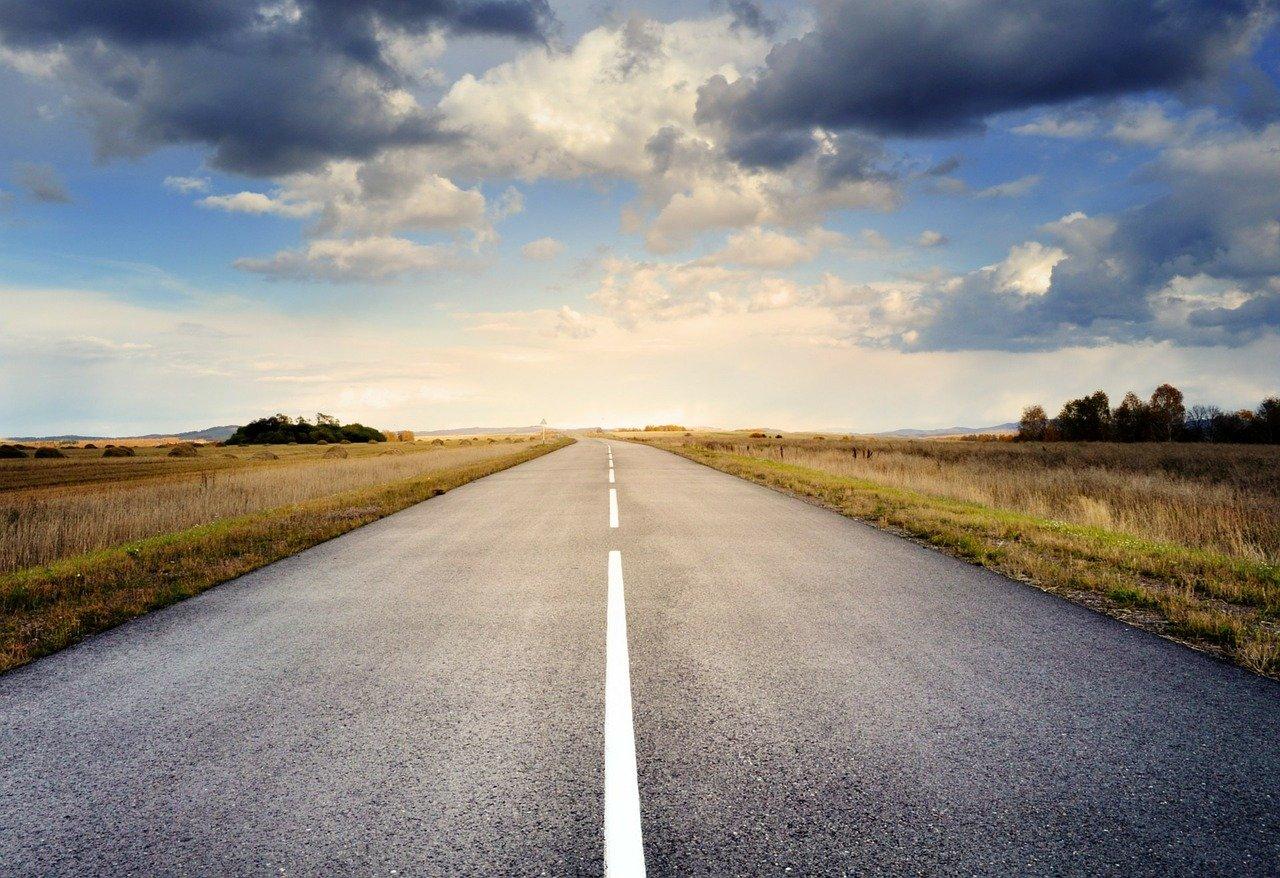 На строительство дорог в российских регионах дополнительно направят 100 млрд рублей
