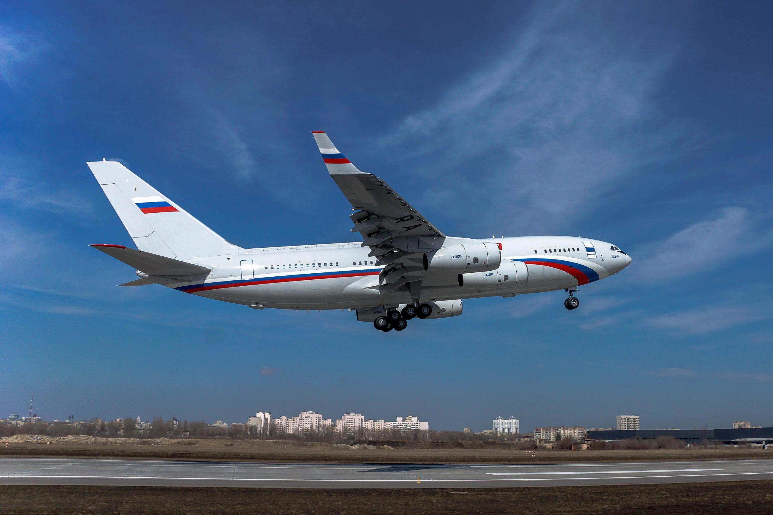 Новый Ил-96-300 совершил первый испытательный полет