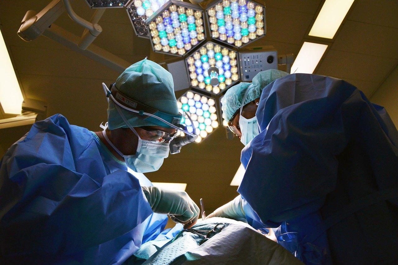 Волгоградские врачи провели уникальную операцию беременной женщине с инсультом