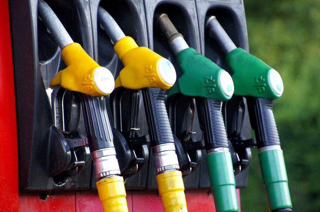 Правительство приняло дополнительные меры по стабилизации цен на топливо