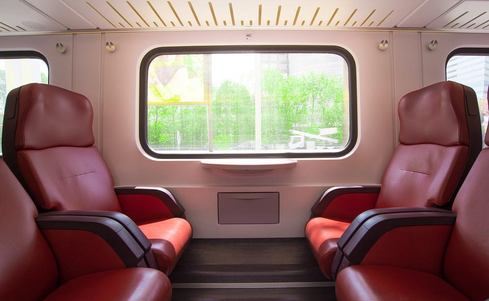 Правительство направит более 11 млрд рублей на поддержку пассажирского железнодорожного сообщения