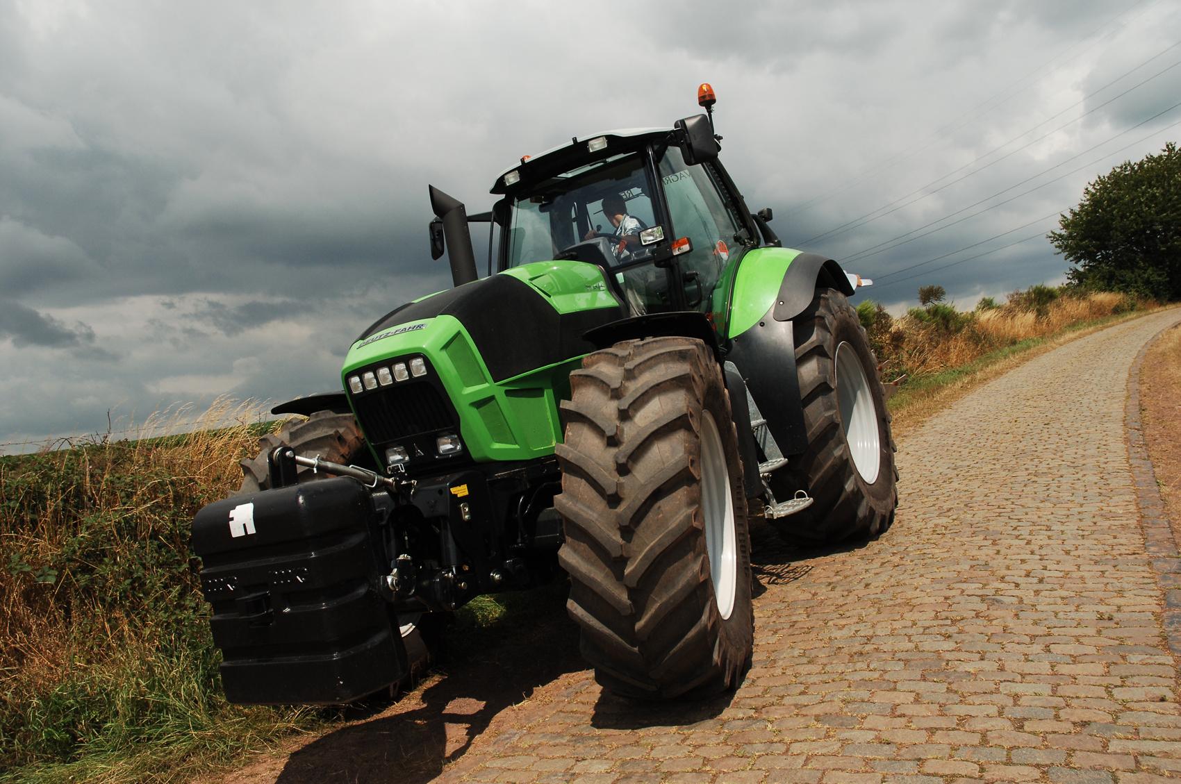 В Казани пройдут соревнования на лучшего тракториста республики!