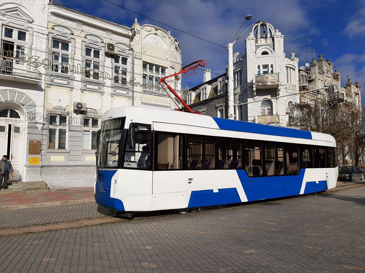 «Уралтрансмаш» начал поставку узкоколейных трамваев для Евпатории