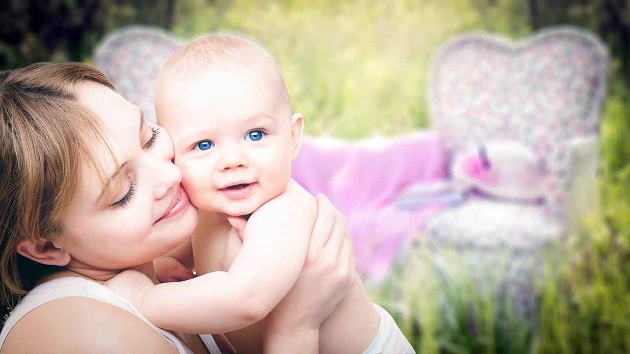 Правительство выделило более 46 млрд рублей на новые пособия беременным и родителям-одиночкам