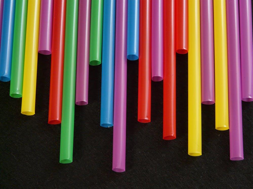 Ученые нашли новый способ окрашивания готовых пластиковых изделий