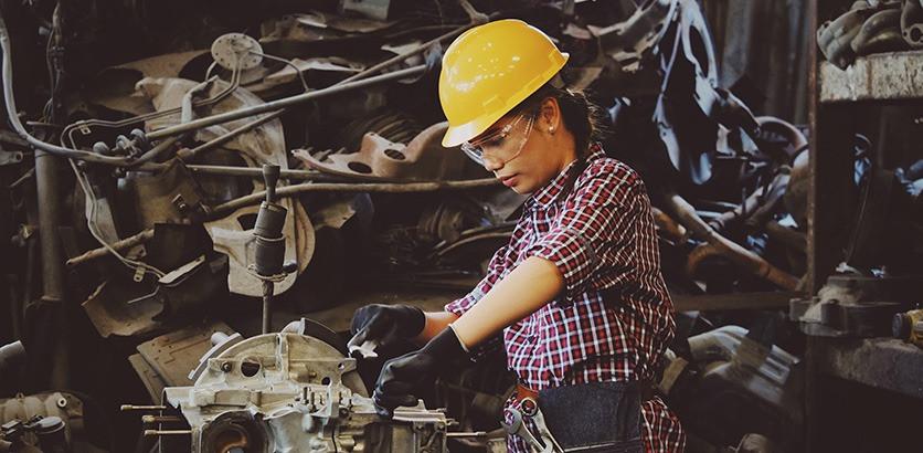 Минтруд сократил перечень работ, на которых ограничивается труд женщин
