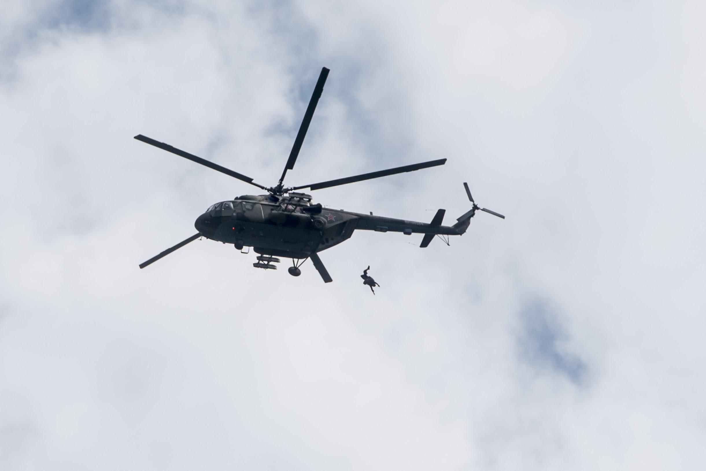 Ростех разработал навигатор для точного приземления парашютистов