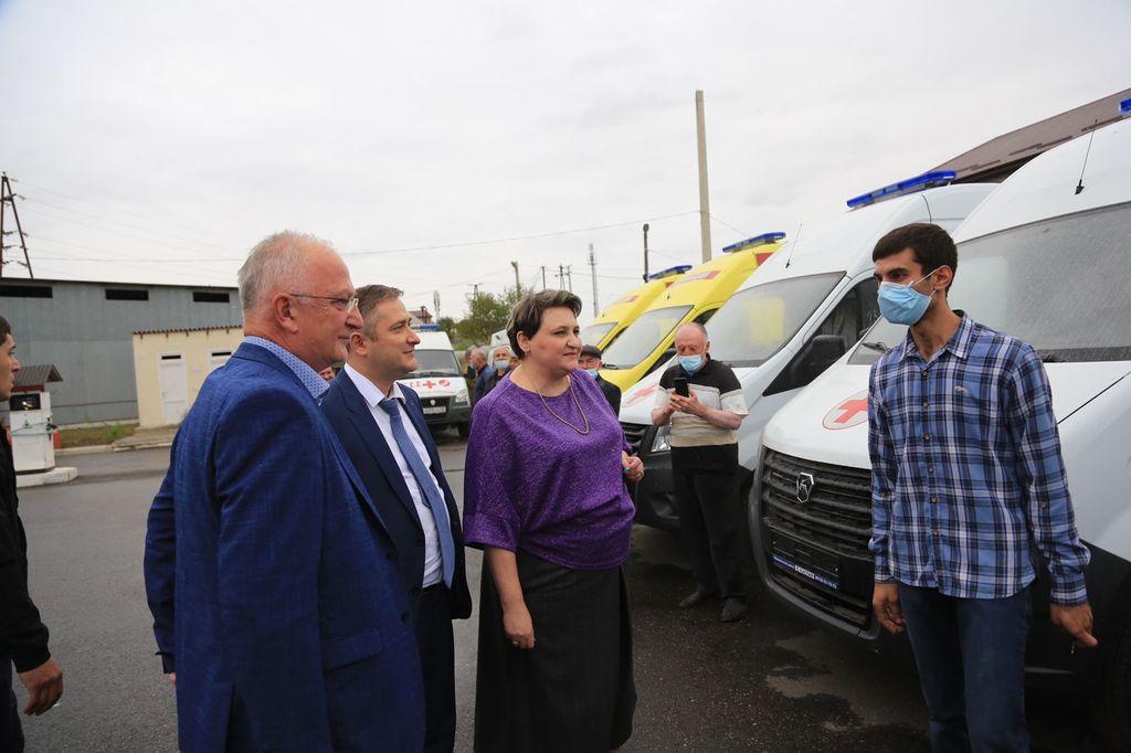 Межрайонная станция скорой помощи в Дербенте получила 16 машин
