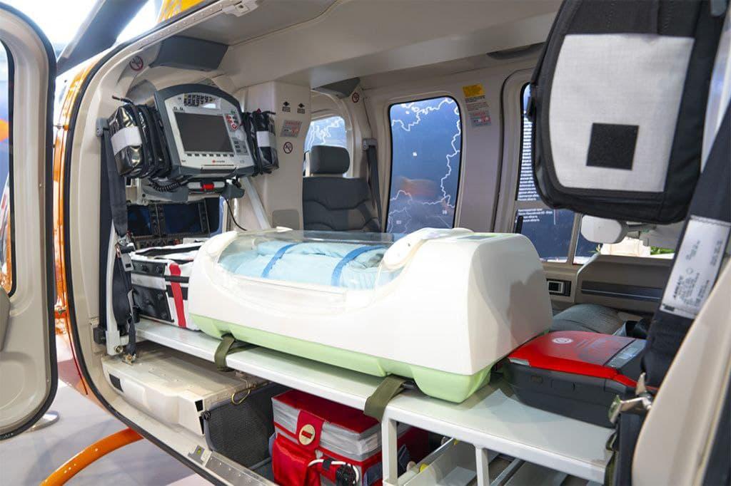 Ростех поставил первую партию мобильных инкубаторов для новорожденных