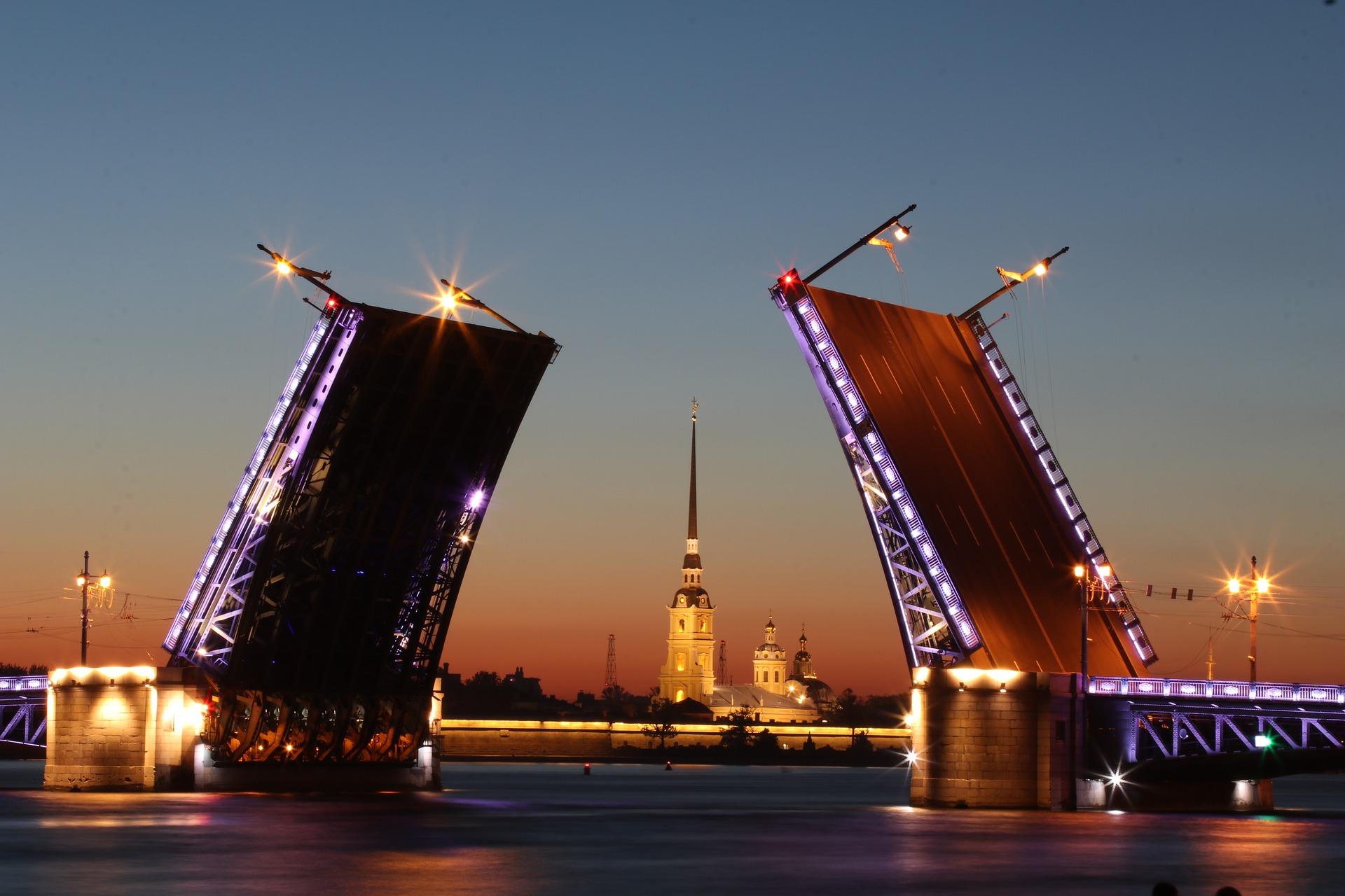 Он-лайн путешествие по Санкт-Петербургу смогут совершить зрители 160 стран