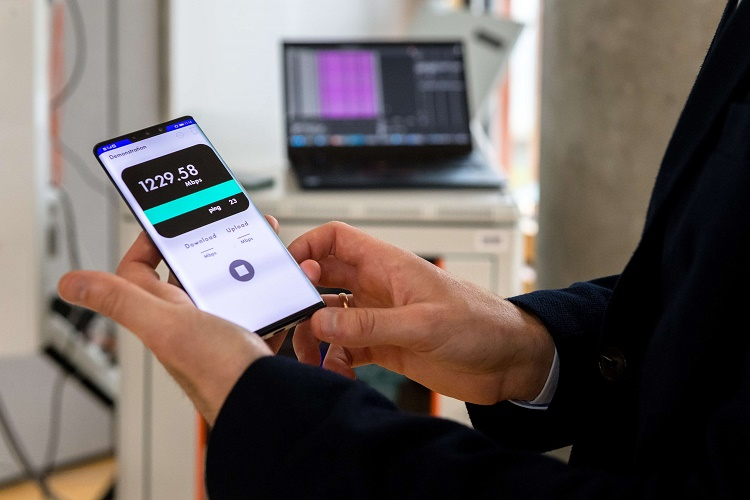 Сколтех первым в стране продемонстрировал работу автономной сети 5G на российском программном обеспечении