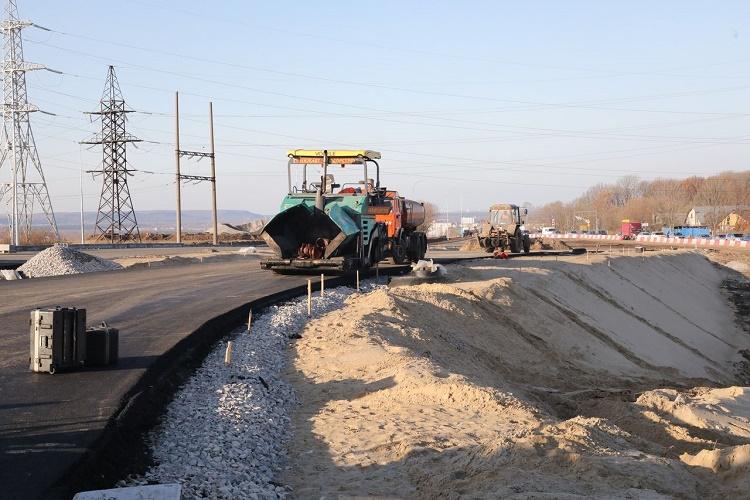 Новые дороги по программе Стимул построят до конца года в 27 субъектах РФ