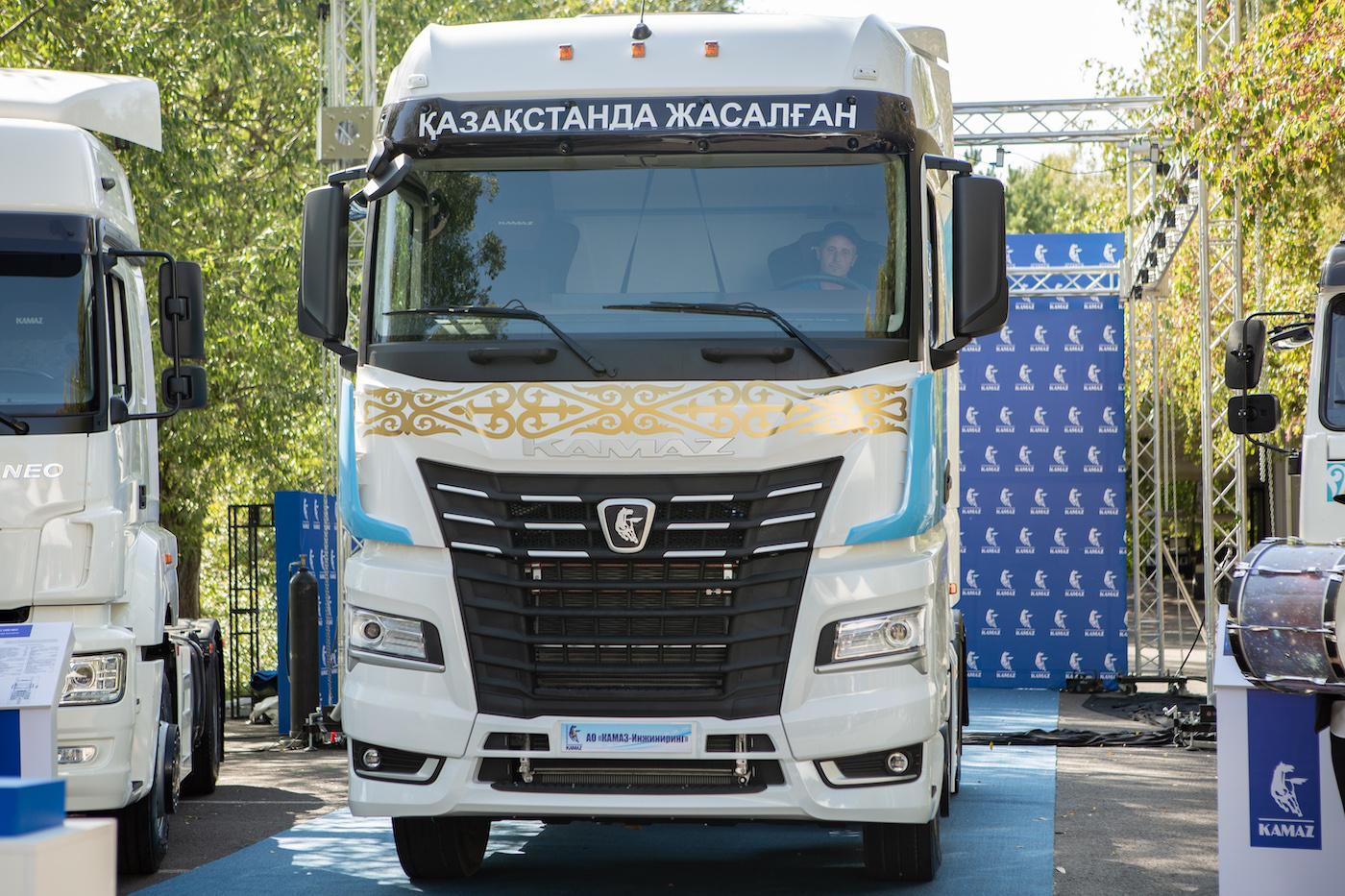 В Казахстане собраны первые автомобили КАМАЗ-54901