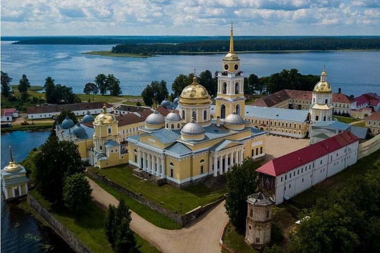 В российских регионах отремонтируют 2 тыс. км дорог к туристическим объектам